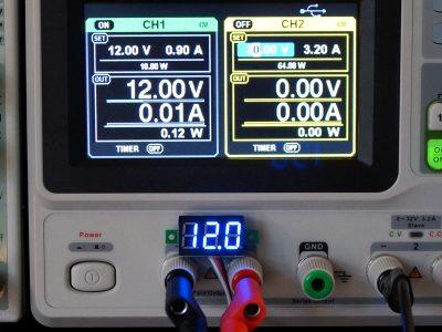 DVM 0-100V Blue Accuracy