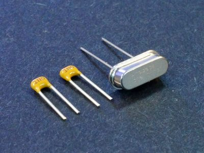 Crystal 8Mhz with 18pF Caps - View