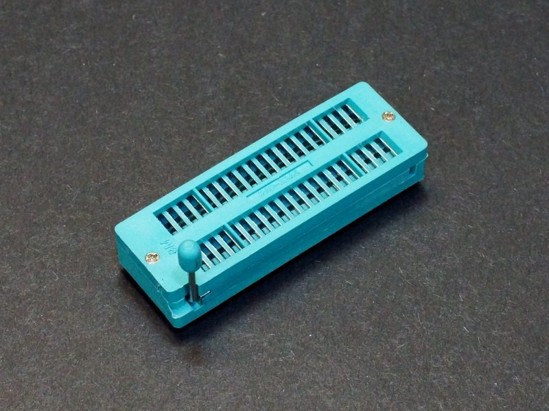 ZIF Socket 40-Pin Narrow Body