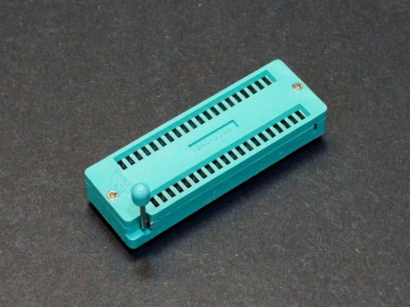 ZIF Socket 40-Pin Wide Body